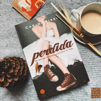 Dica literária Perdida da autora Carina Rissi | foto: paradapop