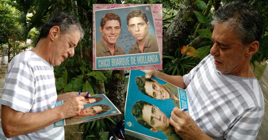 Chico Buarque autografando o Vinil